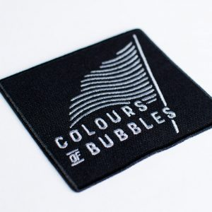 """Colours of Bubbles"" emblema"